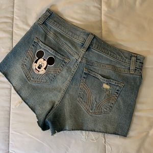 HOLLISTER MICKEY MOUSE SHORTS